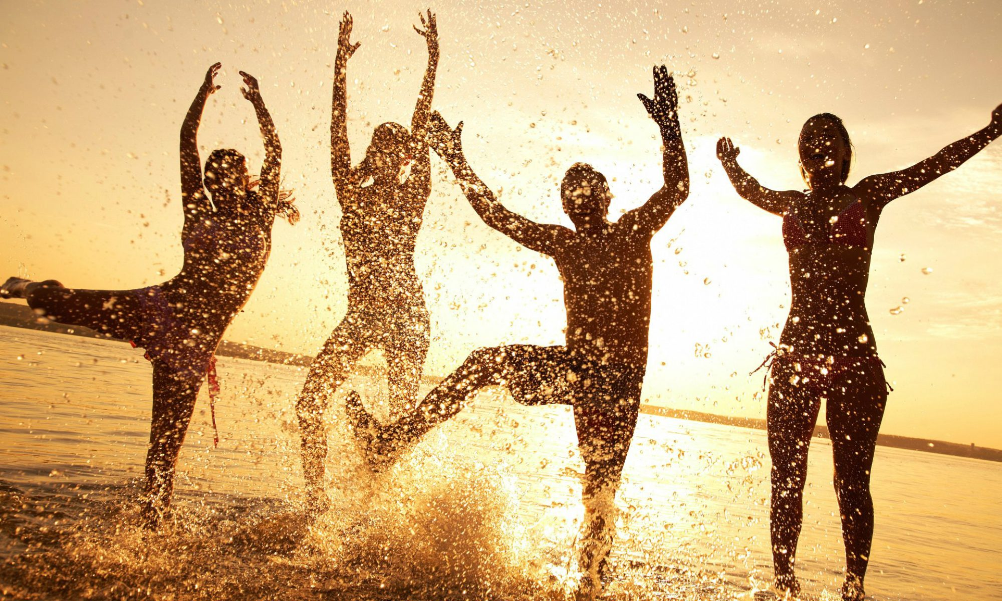 cropped-wallpaper-beach-happy-people.jpg